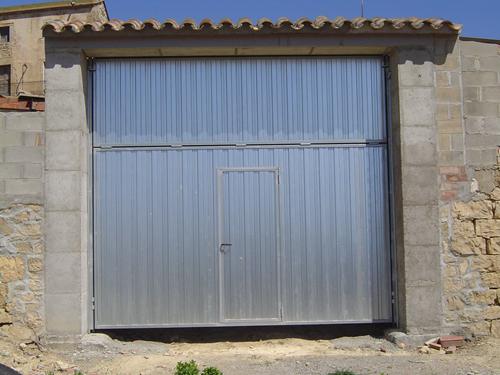 Imagenes ferrica almatic for Puertas de chapa galvanizada